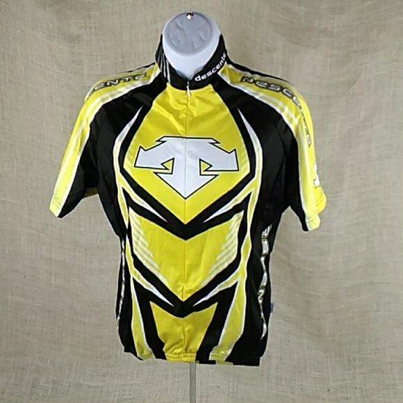 8c905ce51 Tops   Descente Cycling Jersey Shirt Zip W Pockets   Poshmark